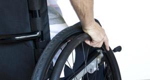 150226_Usuario-de-silla-de-ruedas